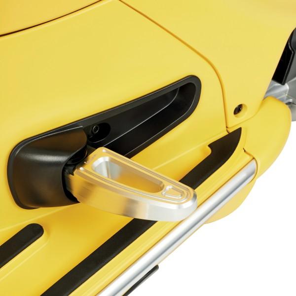 CNC-Beifahrer-Fußrasten Set by Rizoma für Vespa GTS